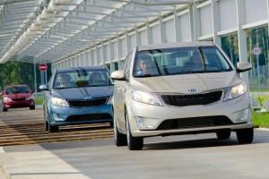 Через год автомобили в России подорожают