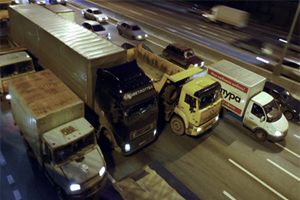 Въезд транзитных грузовиков на МКАД