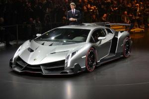 """Повседневному Lamborghini дали """"зеленый свет"""""""