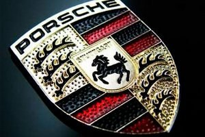 В Porsche остановили сборку Cayenne и Panamera из-за наводнений