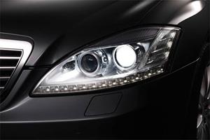 Новое поколение фар от Mercedes-Benz