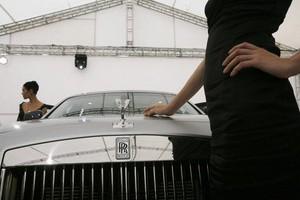 """В КНР снижается рост продаж автомобилей класса """"люкс"""""""