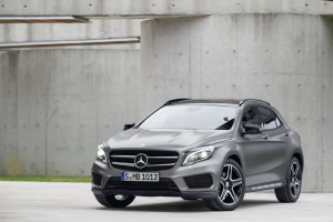 Mercedes официально представил кроссовер GLA