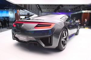 Дебют спорткара Acura NSX в США
