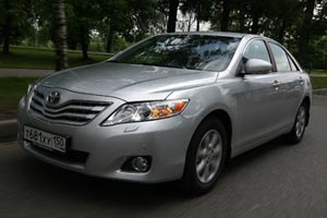 Toyota Camry: рестайлинг одобрен!