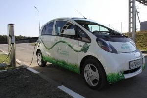 Электромобили уже работают на клабищах