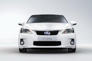 Lexus готовит обновления для своего гибридного малыша