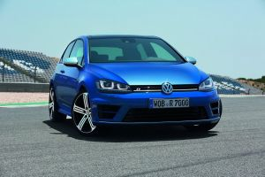 VW Golf R - лучший по соотношению цена/скорость