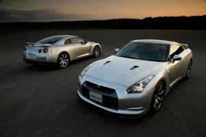 Новая серия Nissan GT-R будет гибридной