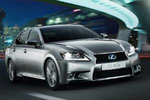 Lexus GS обзавелся парой комплектаций