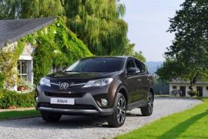 Дизельная Toyota RAV4: теперь и в России
