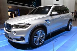 Новая  BMW с 1,5-литровым двигателем