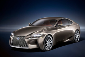 "Lexus представит ""заряженное"" купе RC F"