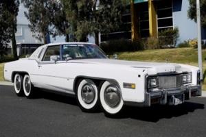В Австралии продают Cadillac с бассейном