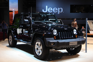 Jeep Wrangler станет обладать крышей с электроприводом