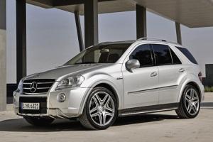 Рестайлинговый Mercedes-Benz ML попался шпионам