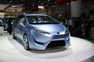 Toyota выпустит водородные седаны