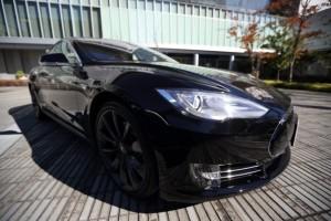 Tesla в скором времени обновит первую модел