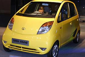 Tata Nano больше не желает быть самой дешевой