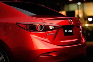 Mazda показала тизер кроссовера CX-3