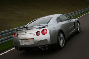 Nissan улучшил суперкар GT-R