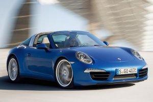 Представлена мощная тарга Porsche 911