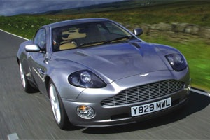 Aston Martin привезет в Женеву спорткар Vulkan