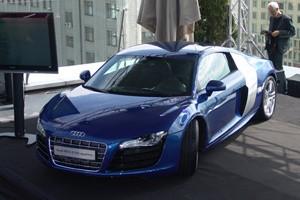 Audi R8 проедет без подзарядки 450 км